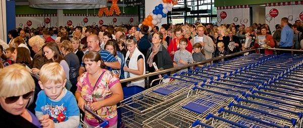 Ажиотаж при открытии торгового центра ALL в Минске