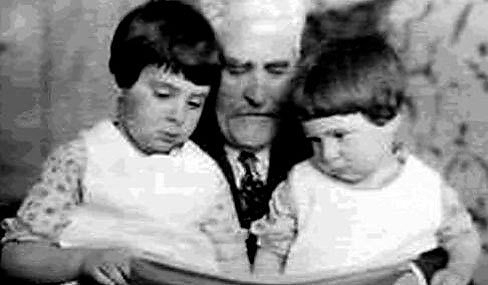 Цемах Шабад с детьми