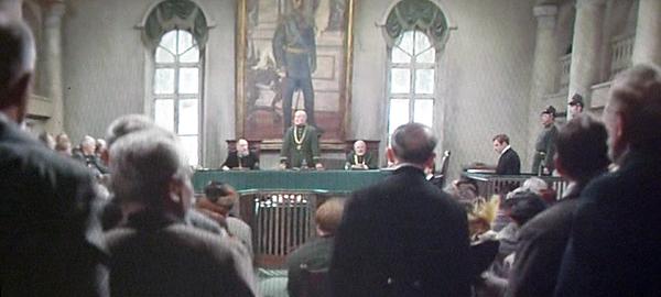 Сцена суда из фильма «Братья Карамазовы» (1968).