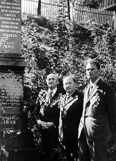 Легендарные минские полковники Альшанский, Овсищер и Давидович, восставшие против государственного антисемитизма и разжалованные в рядовые.