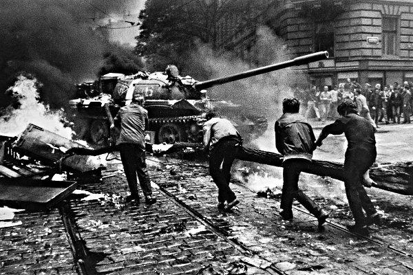 Прага, 1968. Ввод дружественных войск