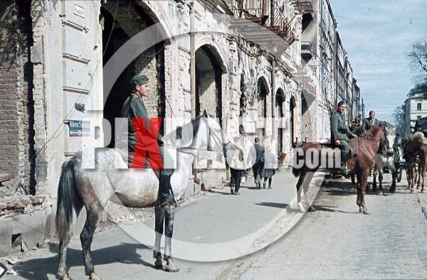 stock-photo-destroyed-buildings-in-minsk-belarus-russia-1941-9221