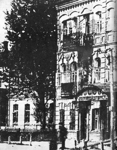 """Дом №1 (""""А"""" на плане ниже) на углу Еврейской и Ново-Московской улиц"""