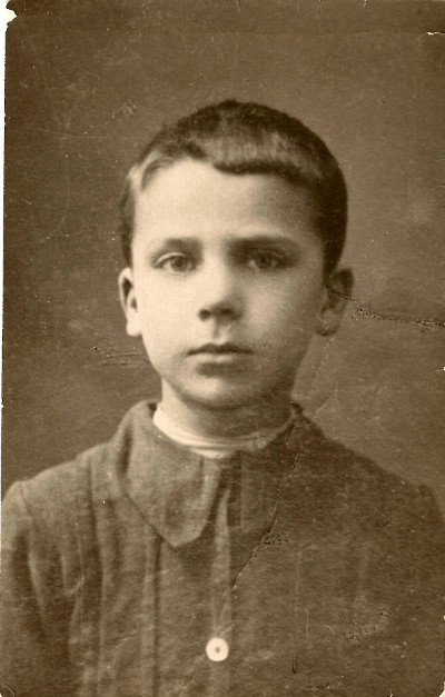 Четырехлетний Лазарь вскоре после переезда вМинск в1908 году