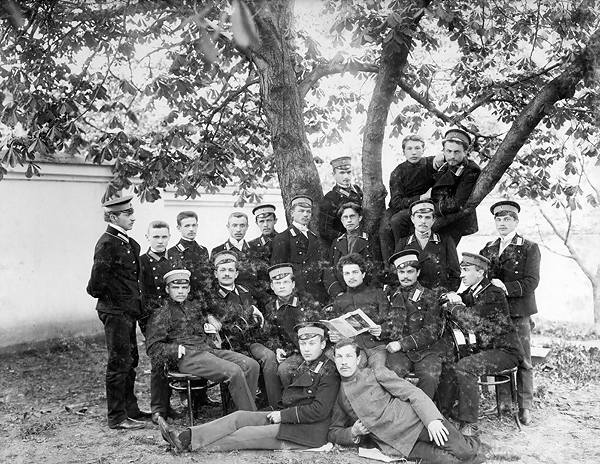 Учащиеся Минской духовной семинарии. 1905 год.