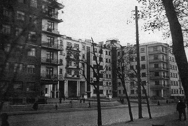 Так выглядел Дом специалистов вскоре после заселения в 1936 году.