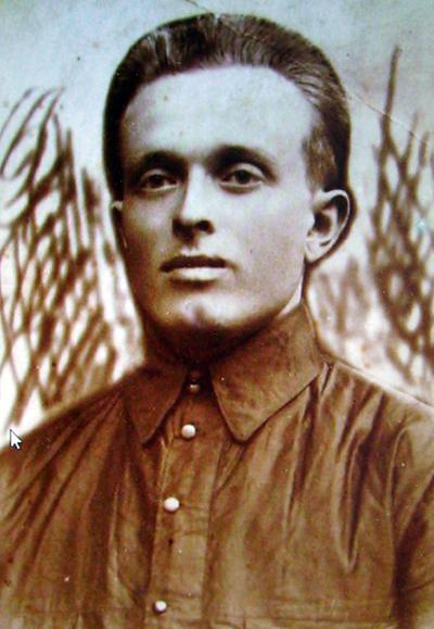 Владимир Кобылинский - тот, что за белых.