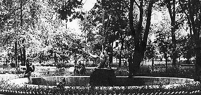 """1874 год. Фонтан """"Мальчик с лебедем"""" - первый след Абрама Спришена в Минске"""